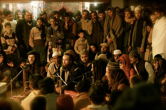 Street performance. Picture: tahirqawwal.com